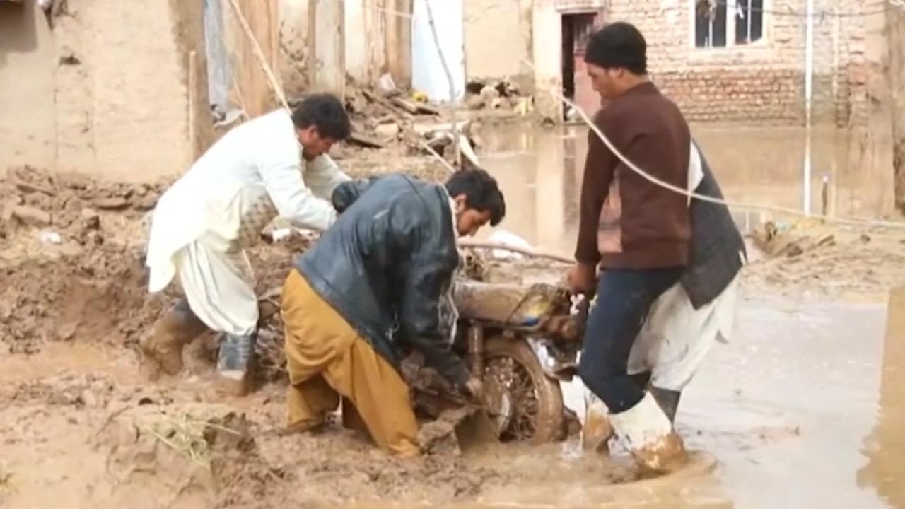 Enorme ravage na grote overstroming in Afghanistan