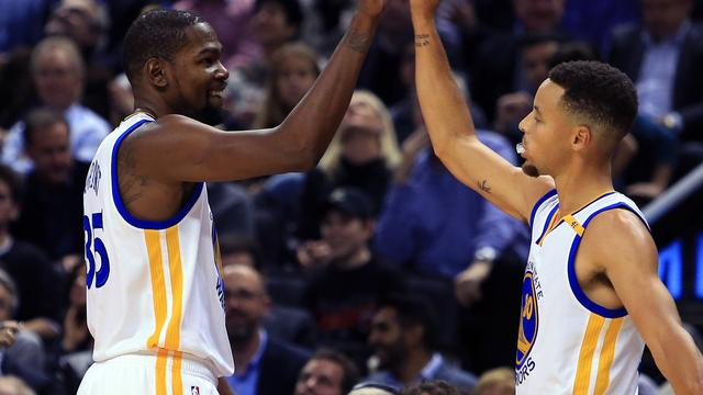 Twaalfde zege op rij voor Golden State Warriors in NBA