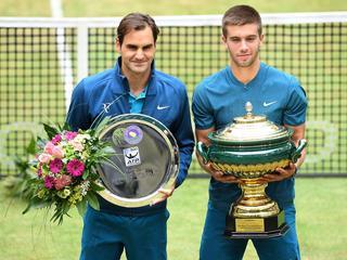 Jonge Kroaat houdt Federer af van tiende titel bij grastoernooi in Duitsland