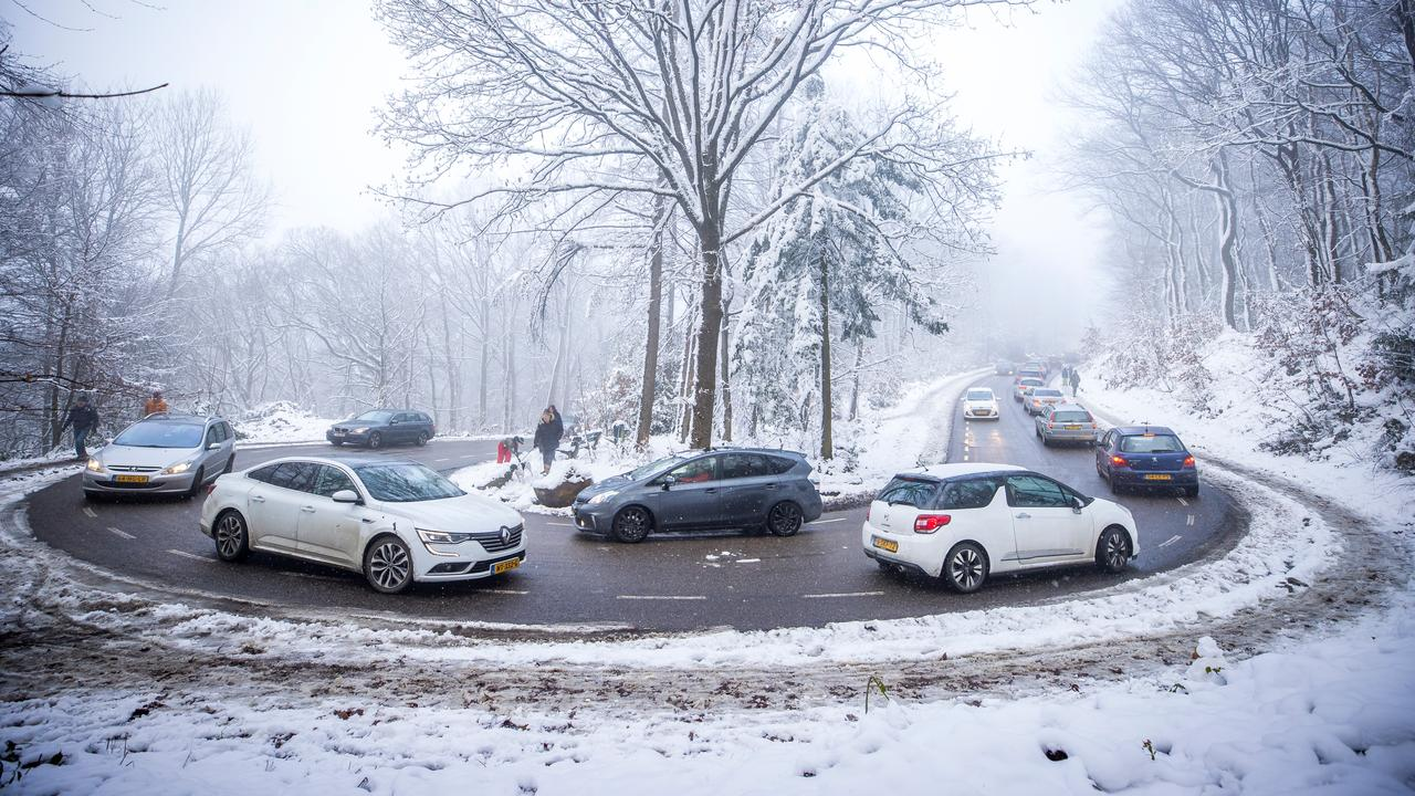 Politie en boa's verwachten zaterdag schaatsdrukte, mogelijk plekken dicht - NU.nl