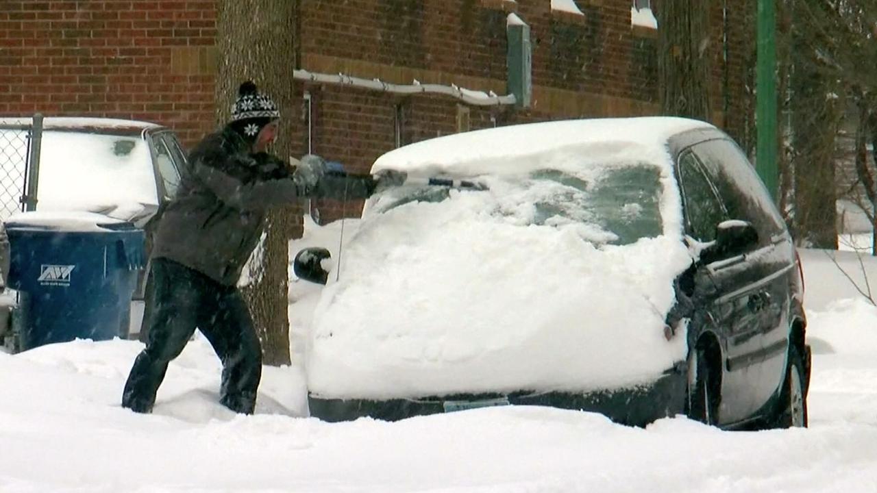 Midwesten VS bedekt onder recordhoeveelheid sneeuw