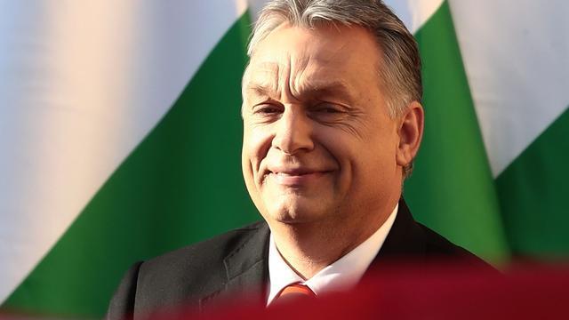 Profiel premier Orban: Geplaagd in Brussel, populair in Hongarije
