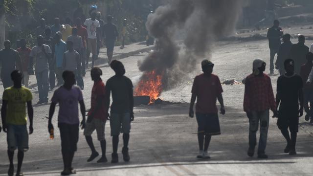 Doden bij rellen op Haïti na aankondiging stijging brandstofprijzen