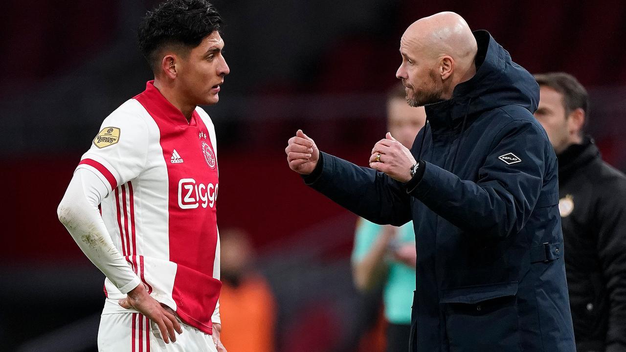 Ten Hag geniet tegen PSV: 'In eerste helft was het Ajax wat de klok sloeg' - NU.nl