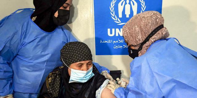 Jordanië start als eerste land met vaccinaties in vluchtelingenkamp