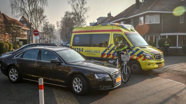 Fietsster gewond na aanrijding Van Boetzelaerstraat