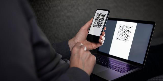 Politie waarschuwt voor internetcriminelen die QR-codes gebruiken