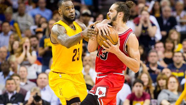 LeBron James leidt Cavaliers naar zege op Chicago Bulls