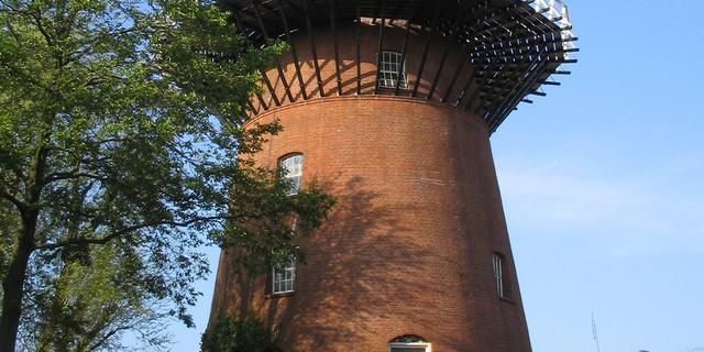 Start restauratie molen Rijn en Zon aan de Adelaarstraat in Utrecht