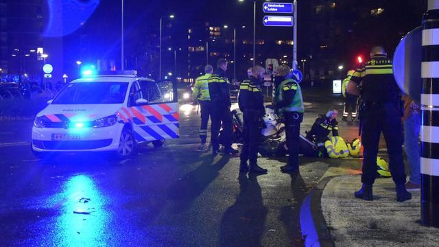 Motoragent aangereden bij kruispunt Burgemeester Bruins Slotsingel