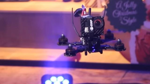 Eerste NK voor drone-racers gehouden in Hoog Catharijne