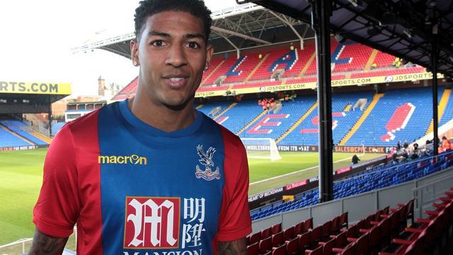 Van Aanholt tekent tot medio 2021 bij Crystal Palace