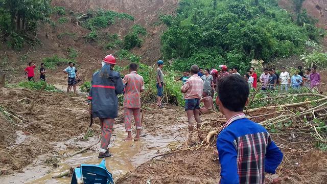 Doden na aardverschuiving in Bangladesh opgelopen tot 147