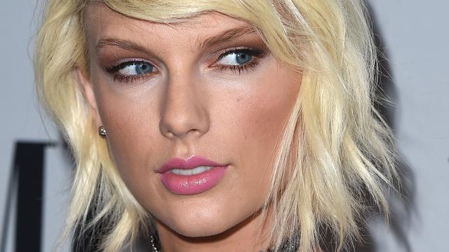Radio-dj ontkent billenknijpen Taylor Swift