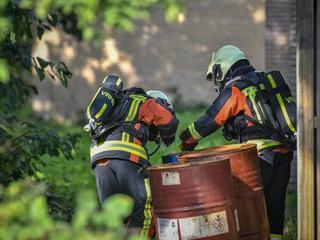Brandweer onderzocht verdachte vaten