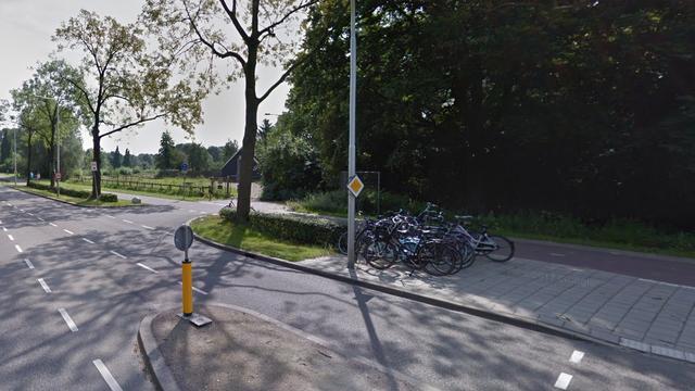 Fietser gewond na aanrijding met auto op Koningsweg