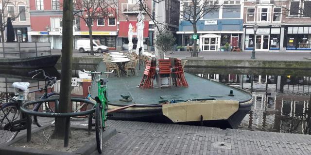 Weer terrasboten losgesneden op Nieuwe Rijn