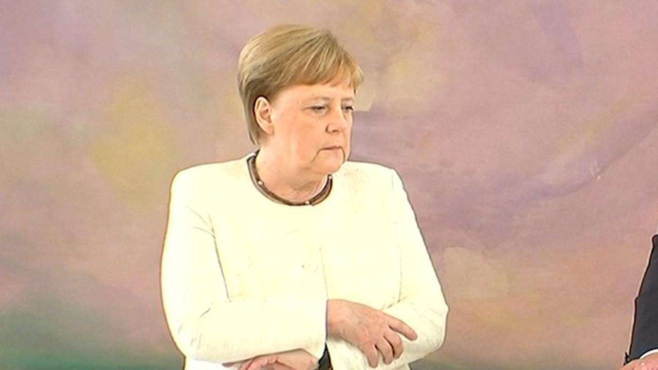 Merkel krijgt opnieuw 'trilaanval' tijdens openbaar optreden