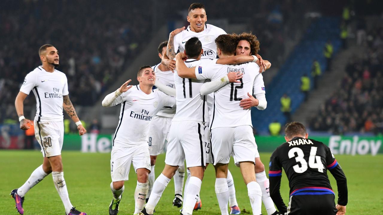 Meunier maakt prachtige treffer tegen Basel