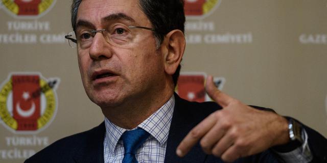 Bekende columnist Turkse oppositiekrant vrijgelaten