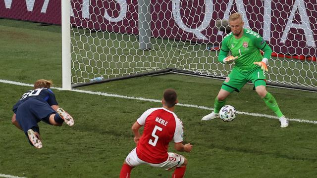 Joel Pohjanpalo maakte het eerste Finse EK-doelpunt ooit.