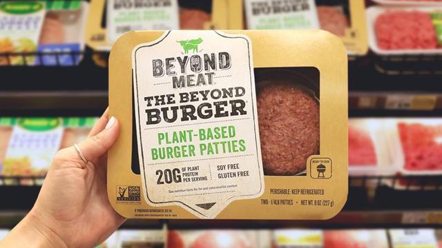 Vegaburgermaker Beyond Meat ziet omzet verviervoudigen, aandeel duikelt
