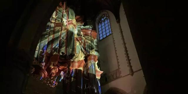Spectaculaire lichtshow op eeuwenoude orgelklanken in Haarlem