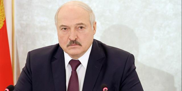 Lukashenko belooft voor het einde van het jaar nieuwe grondwet in Belarus