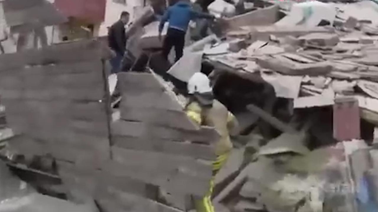 Ravage in Istanboel na instorten flatgebouw