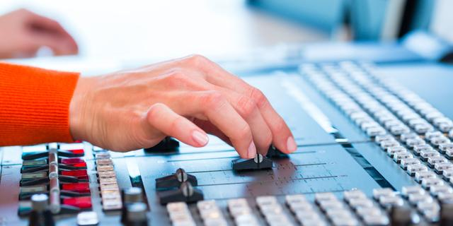 Commerciële radiozenders mogen frequenties langer houden