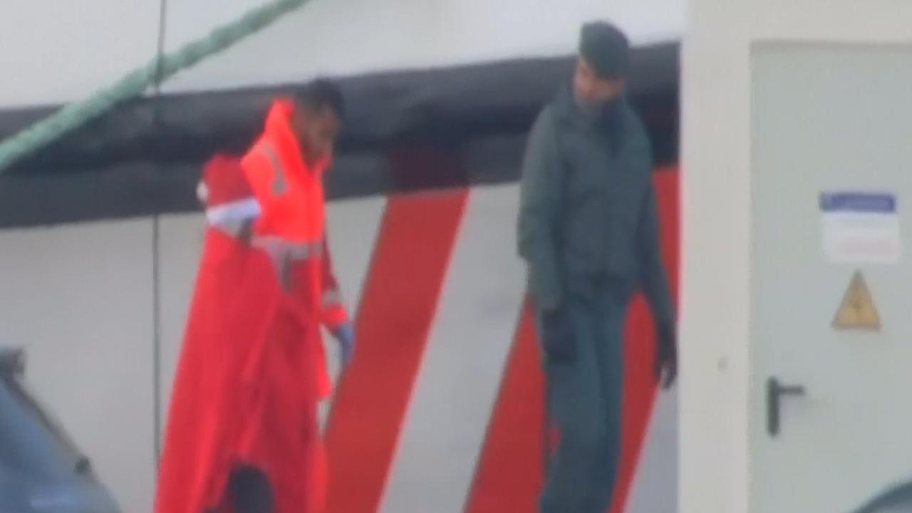 Reddingsschip met driehonderd migranten aangekomen in Spanje