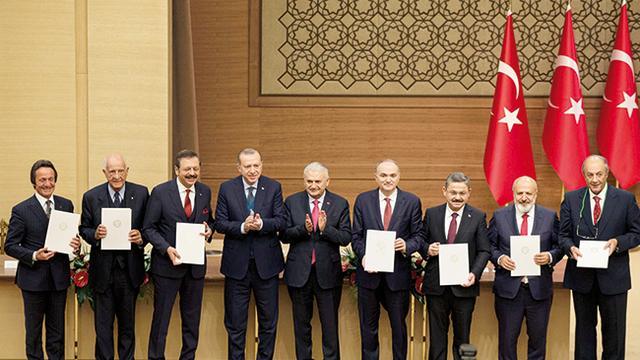 'Turks consortium wil drie elektrische auto's'