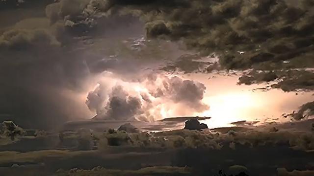 Fotograaf maakt indrukwekkende timelapse van onweer in Australië