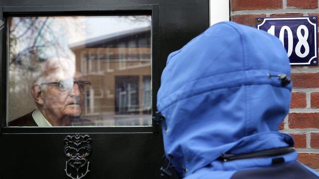 Man (20) die zich vermomde als pakketbezorger krijgt jeugddetentie en taakstraf