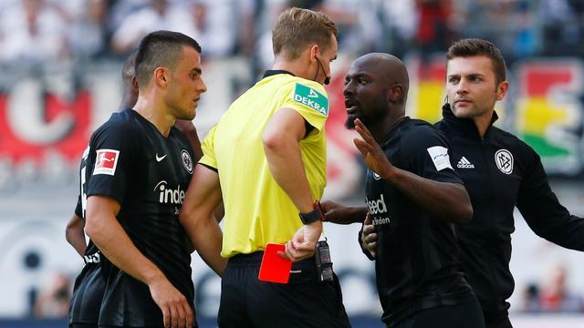 Jetro Willems mist door schorsing drie duels bij Eintracht Frankfurt