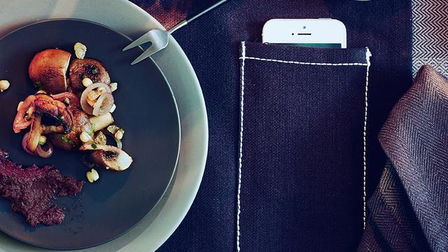 Ikea komt met placemat speciaal voor smartphone