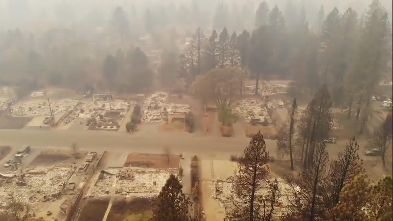 Dronebeelden tonen door brand verwoeste stad in Californië