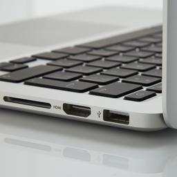 Apple zou HDMI-poort en SD-kaartlezer willen terugbrengen op MacBook Pro