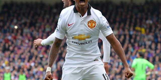 Young verlengt contract bij Manchester United