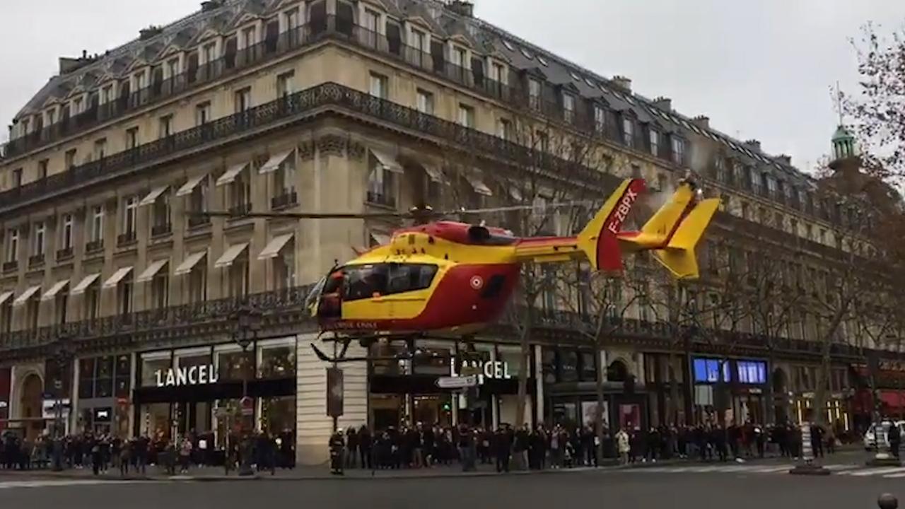 Traumahelikopters landen in centrum Parijs na gasexplosie