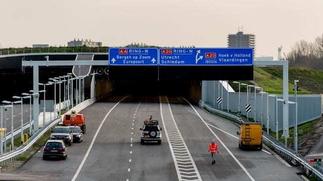 Drukke ochtendspits door storing in Ketheltunnel