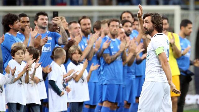 Pirlo neemt afscheid in San Siro en ziet Seedorf scoren