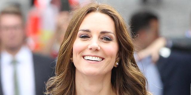 'Zwangere Kate Middleton brengt Pasen bij ouders door'