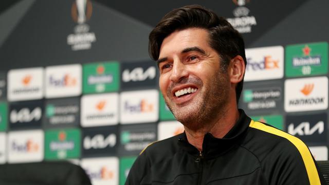 Paulo Fonseca kon woensdag lachen tijdens zijn perspraatje, maar staat onder flinke druk bij AS Roma.