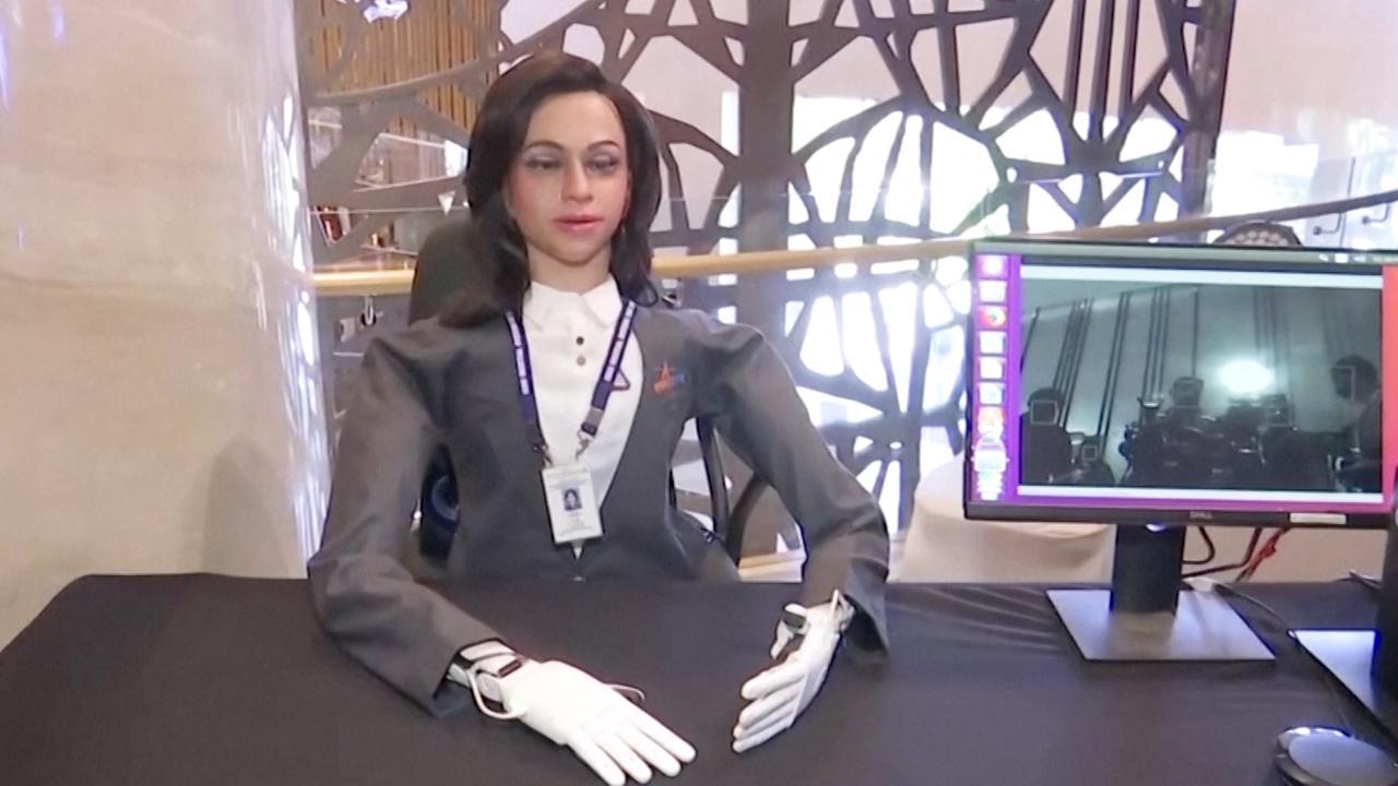 India onthult 'menselijke' robot voor testvlucht ruimtemissie
