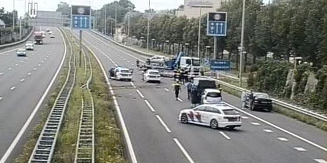 Politieachtervolging leidt tot crash op A12 tussen Utrecht en Den Haag