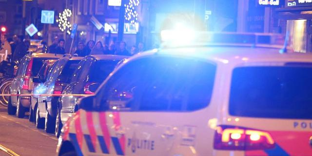 'Taxi botst na achtervolging politie tegen pickup in Osdorp'