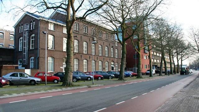 Demonstratie tegen asielzoekerscentrum bij Sterrenwijk
