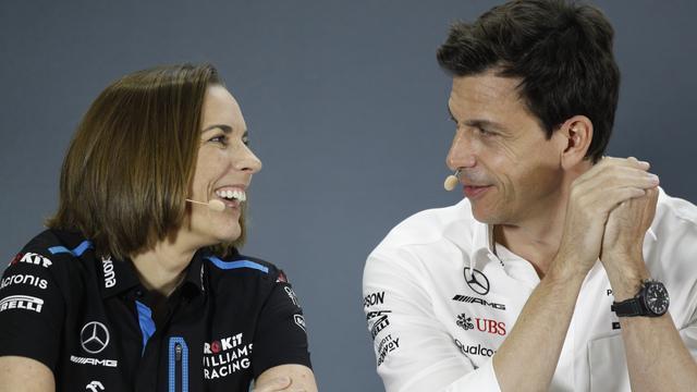 Mercedes-teambaas Toto Wolff, hier samen met Claire Williams, is erg blij met de overeenkomst.