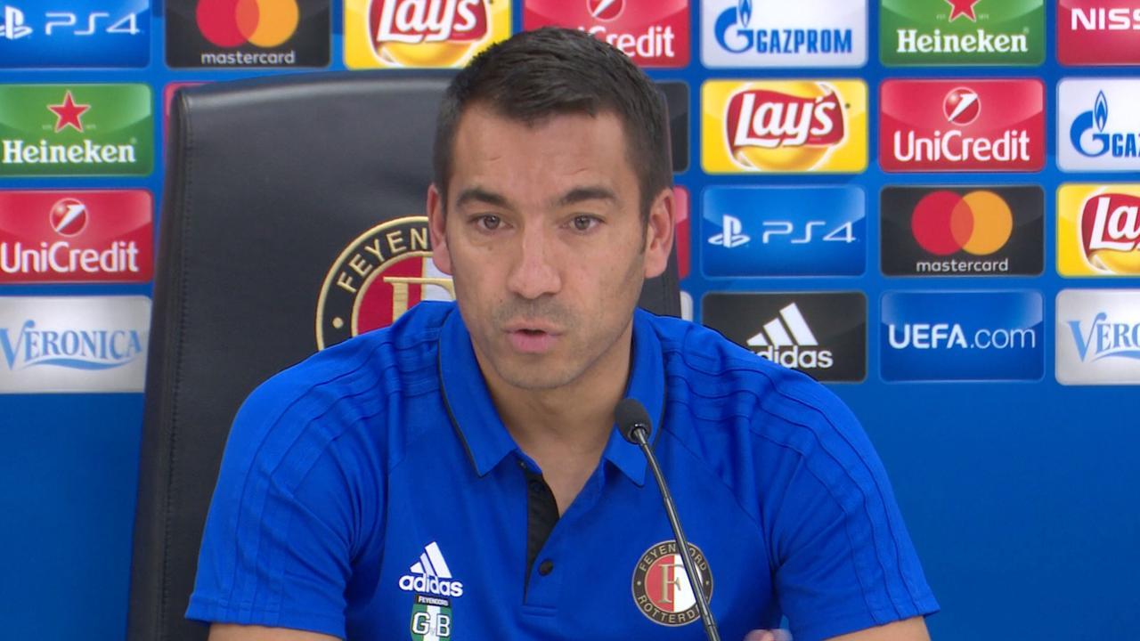 Van Bronckhorst: 'Feyenoord moet winnen als het nog iets wil bereiken in Europa'
